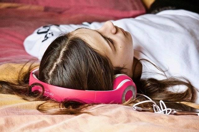 7 Astrological Tips For Sleeping Better